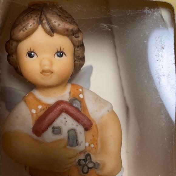 Goebel SchutzengelbGuardian Angel Figurine